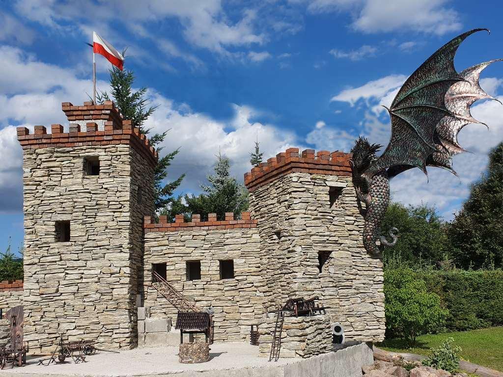 kowalstwo artystyczne-miniatura zamku